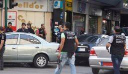 بالفيديو: عملية أمنية لفرع المعلومات في حي السلم وتوقيف رئيس عصابة