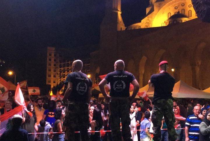 أعداد المتظاهرين في ساحة الشهداء تتزايد