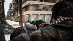 وزارة الدفاع الروسية: الجيش السوري سيطر على مطار الطبقة العسكري وعلى عدة مواقع وجسور عند نهر الفرات