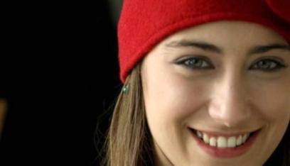"""هازال كايا تغضب من صحفي وتصيح به: """"هذا عيب"""""""