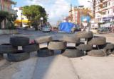 بالفيديو: اشكال بين سيدة وأحد المتظاهرين على طريق الشفروليه!