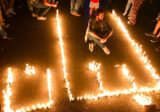 إضاءة كلمة لبنان بالشموع في ساحة ايليا – صيدا