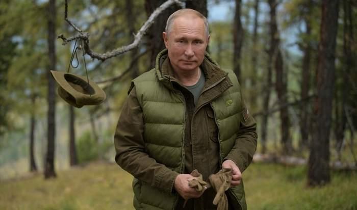 بالفيديو: سماء هوليوود تهنئ بوتين