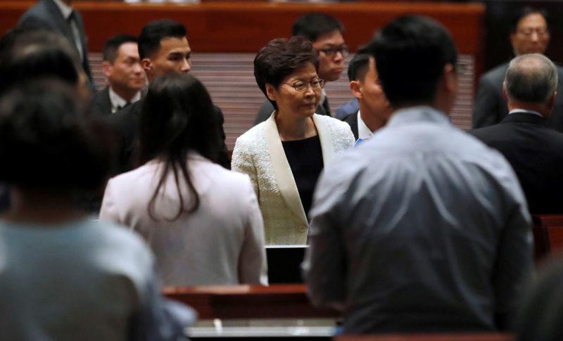 تأجيل جلسة المجلس التشريعي لهونغ كونغ