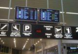 توقيف عراقي في المطار بحوزته آلاف الدولارات المزورة