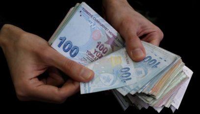انخفاض الليرة التركية بشكل قياسي مقابل الدولار!