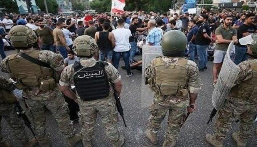 الجيش سمح للمتظاهرين بالعودة الى ساحة الشهداء