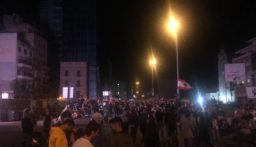 احتكاك بين عناصر الجيش والمحتجين على اوتوستراد الزوق وزحمة سير خانقة