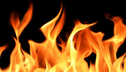 إحراق منزلي شقيقين في السفيرة وأبي سمراء