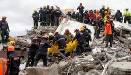 زلزال بقوة 5.4 درجات قبالة سواحل منطقة مرمريس التركية المطلة على البحر المتوسط آفاد