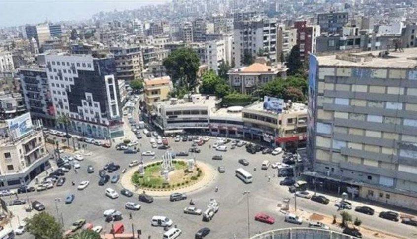 بالفيديو – سيدة تقدم على الانتحار في طرابلس بسبب الأوضاع المعيشية الصعبة!
