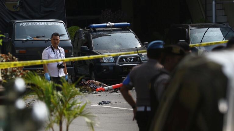 إندونيسيا.. تفجير انتحاري يهز مقراً للشرطة في سومطرة