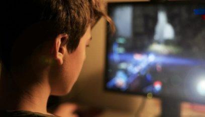 """مات أمام الكمبيوتر بسبب """"ليلة كاملة من ألعاب الفيديو""""!"""