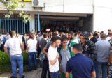 مجموعة من المحتجين اقفلوا مدخل مبنى اوجيرو في جونيه