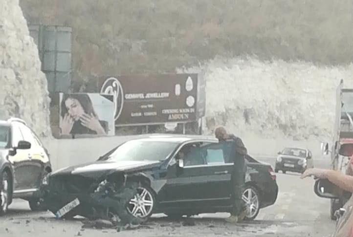 جريح بحادث سير على طريق عام كفرحزير باتجاه شكا