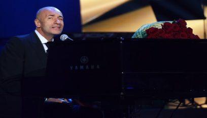 "بوتين يمنح موسيقيا روسيا بارزا وسام ""ألكسندر نيفسكي"""