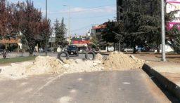 قطع السير على اوتوستراد زحلة مفرق المدينة الصناعية