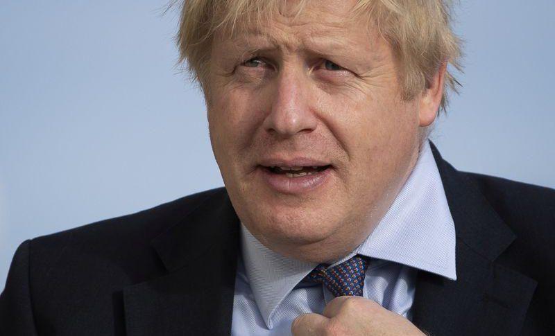 تليغراف: جونسون سيفرض قيوداً جديدةً على المهاجرين
