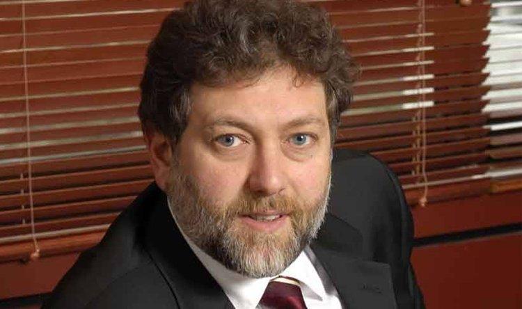 النائب نعمة إفرام يعلن استقالته من البرلمان