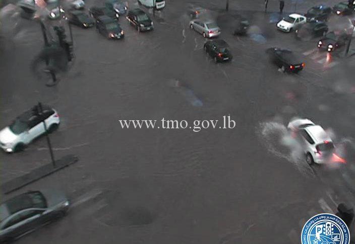 بالصور والفيديو: الأمطار تغرق العديد من الطرقات