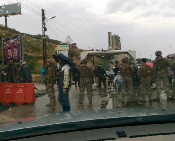 إقفال الطريق عند مفترق نورث مارينا باتجاه طرابلس