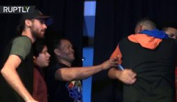 """بالفيديو: """"تبادل الصفعات"""" أصبحت بطولة عالمية!"""