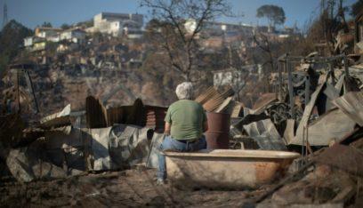 حريق يدمر 245 منزلاً في مدينة فالباريزو التشيلية