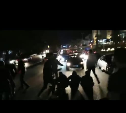 قطع طريق التبانة والاوتوستراد الدولي للمطالبة باستقالة رئيس بلدية الميناء