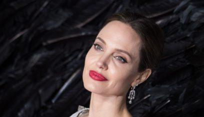 """بالأرقام: """"انجلينا جولي"""" تحقق إيرادات خيالية من فيلمها الجديد!"""