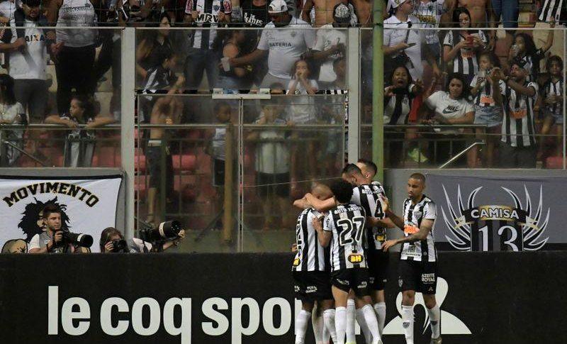 ركلة جزاء متأخرة تمنح أتليتيكو الفوز والاستمرار في دوري الأضواء البرازيلي