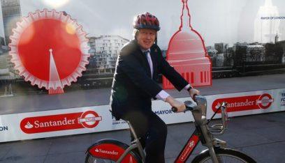 """رئيس وزراء بريطانيا يكشف """"أفظع"""" فعل مخالف للقانون ارتكبه"""