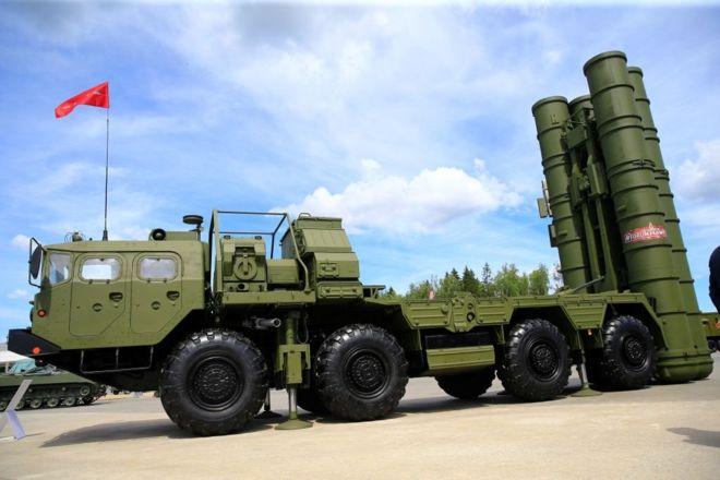 """سيناتوران أميركيان يدعوان الى فرض عقوبات على تركيا بسبب شرائها أنظمة """"إس-400"""" الروسية"""