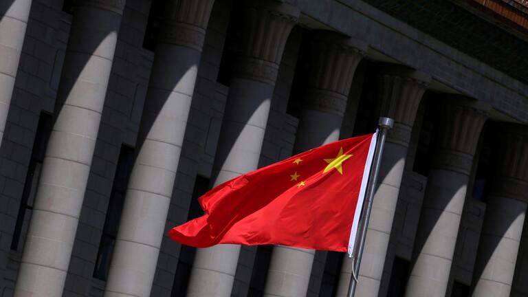 الصين تطلب من الأميركيين عدم تسييس كورونا وربطه بها