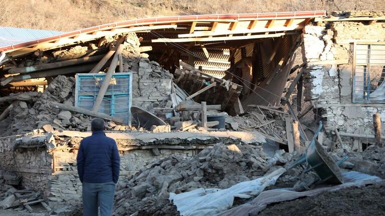 تركيا: ارتفاع عدد قتلى الزلزال إلى 22 وإنقاذ 39 شخصاً من تحت الأنقاض