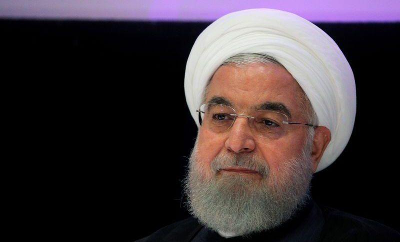 الرئيس الإيراني يحذر من احتمال تفشي موجة جديدة من كورونا في البلاد