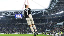 رونالدو أول لاعب كرة قدم يتقاضى مليار دولار!