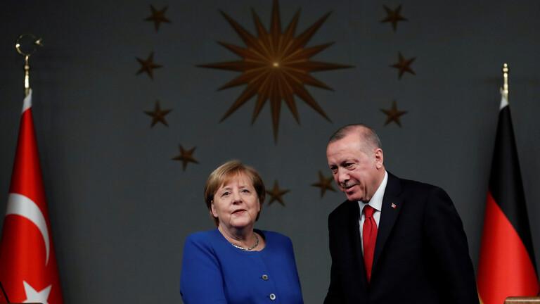 ميركل تتعهد بزيادة الدعم المالي الأوروبي لتركيا في قضية الهجرة