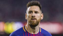 رغم فوز برشلونة..ميسي يرفض مصافحة لاعب نابولي