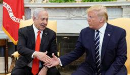 سفير الإمارات لدى واشنطن: نثمن خطة ترامب للسلام