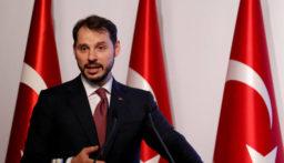 """وزير المال التركي: الليرة التركية """"تبدو تنافسية"""" مقابل الدولار"""