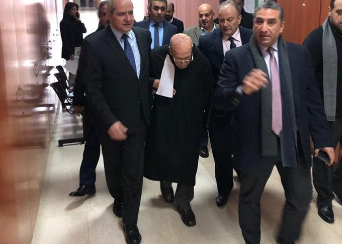 بالفيديو: قاض يطرد محام ثمانيني من القاعة والنقيب يتدخّل