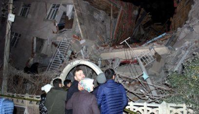 ارتفاع ضحايا زلزال شرق تركيا إلى 31 قتيلاً