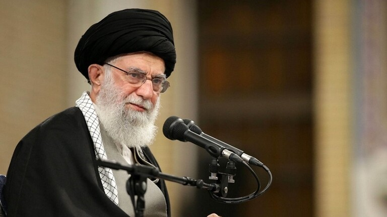 خامنئي يدعو لإقبال كبير على الانتخابات البرلمانية الإيرانية