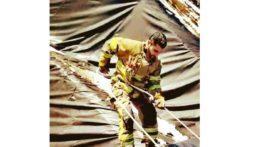 الدفاع المدني أنقذ ثعلبين عالقين داخل سد مائي