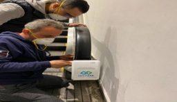 بالفيديو والصور: إجراء استثنائي في مطار بيروت.. تركيب أجهزة للوقاية من الأمراض