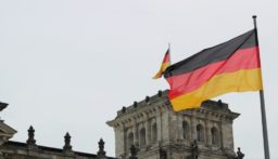 ارتفاع الإصابات المؤكدة بفيروس كورونا في ألمانيا لـ 21 حالة