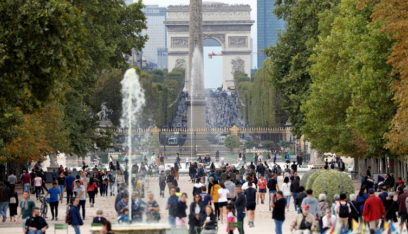 """فرنسا.. انخفاض كبير في عدد السياح بسبب """"كورونا"""""""