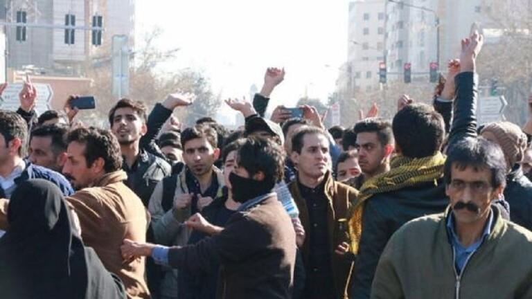 كورونا يثير أعمال شغب في إيران