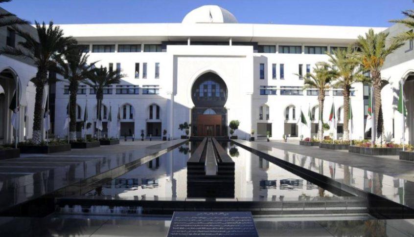 الخارجية الجزائرية: لإعادة سوريا إلى جامعة الدول العربية