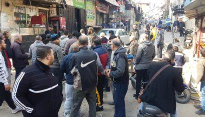 قطع الطرق الداخلية في مخيم البداوي احتجاجا على التقنين
